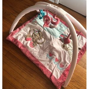 Baby sensory blanket with mobile arch
